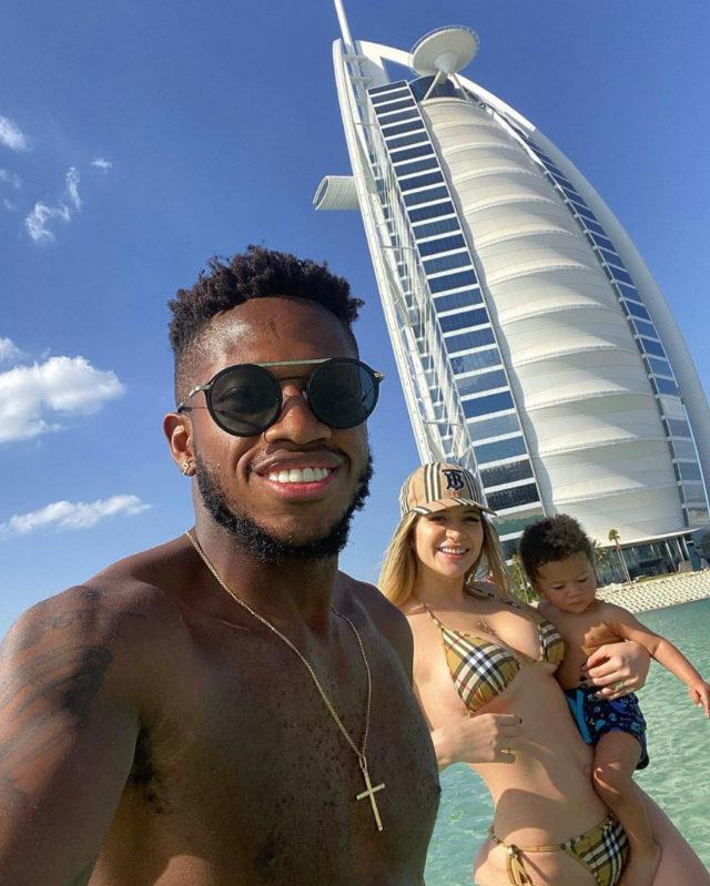 เฟร็ด กองกลางทีมชาติบราซิลควงภรรยาและลูก เที่ยวทะเลมัลดีฟส์