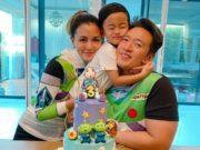 วันเกิดน้องตฤณ ครบ3ขวบ ชาย-วิกกี้ จัดงานเลี้ยงภายในครอบครัว หนีโควิด-19