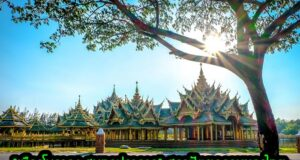 """""""เมืองโบราณ สมุทรปราการ"""" สถาปัตยกรรมของไทย"""